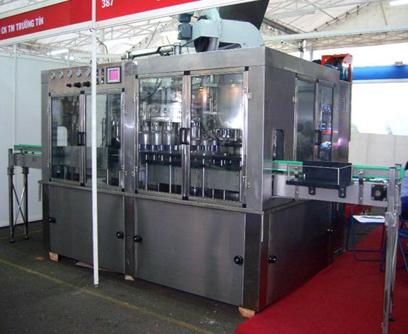 MÁY CHIẾT PET 8000 BPH (máy chế tạo mới)